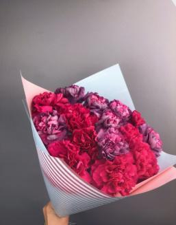 Cloud of carnations | Flowers to girlfriend