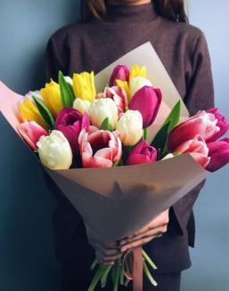 Bright mix of tulips | Flowers to girlfriend